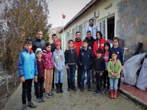 Deprem bölgesinde okullar eğitime hazırlanıyor
