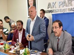 Sekmen, AK Parti Palandöken İlçe Teşkilatı'yla bir araya geldi
